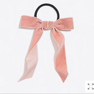 NWT Velvet Bow Hair tie